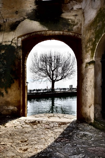 Garda lake secret view