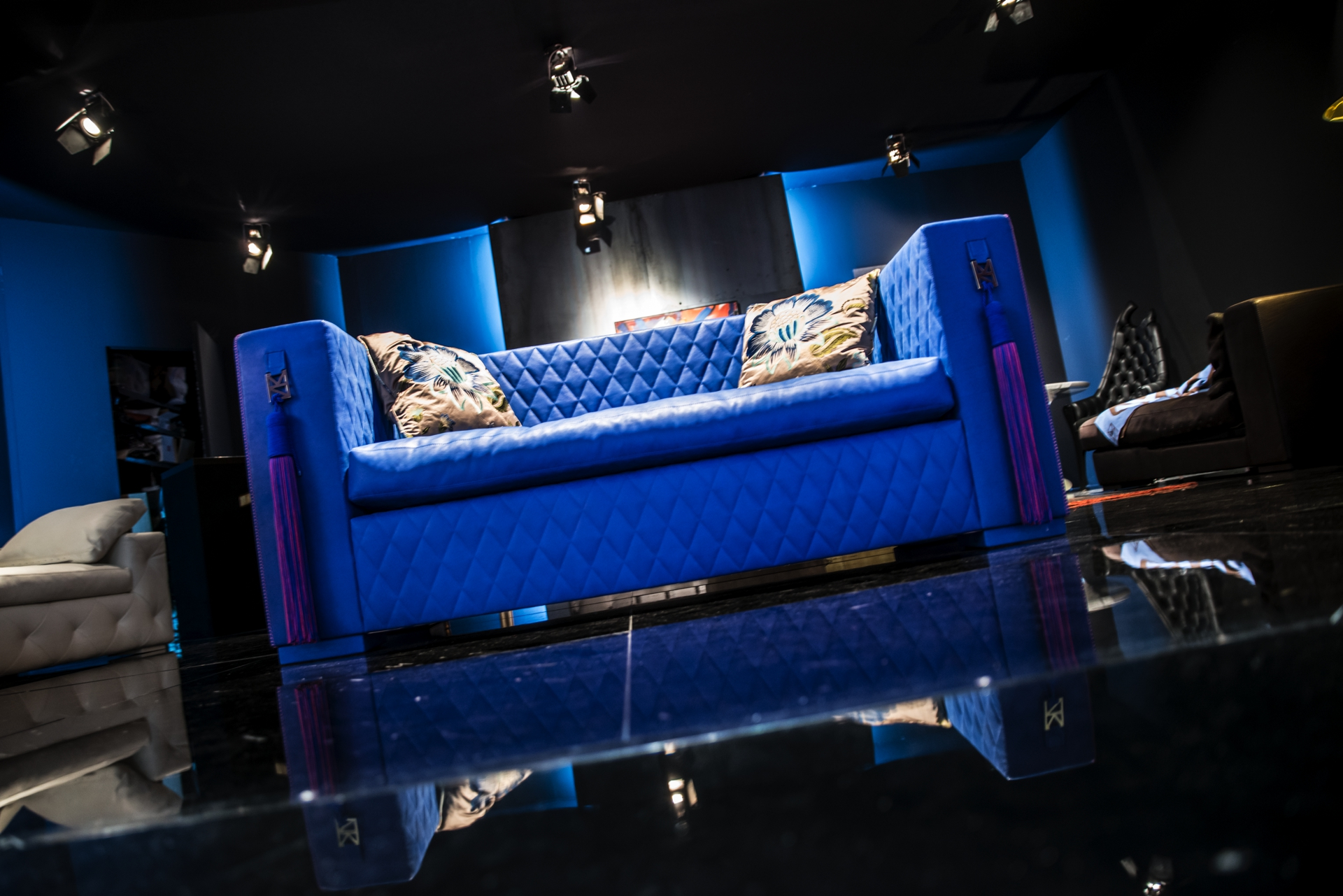 Salone del mobile 2014 exhibition luxury furniture by romeo orsi made in italy-0034